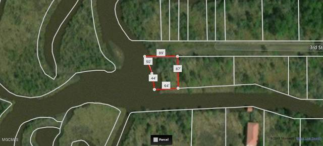 339-342 3rd St, Bay St. Louis, MS 39520 (MLS #374476) :: The Sherman Group
