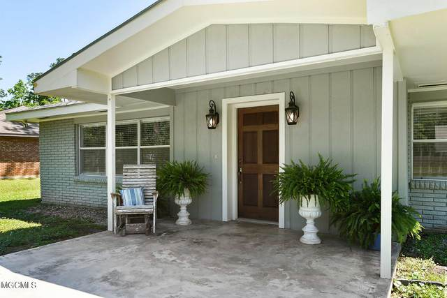 390 Felicity St, Bay St. Louis, MS 39520 (MLS #374903) :: Coastal Realty Group