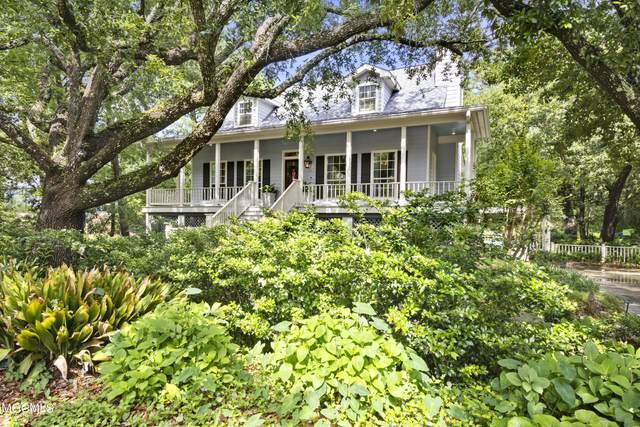 312 Washington Ave, Ocean Springs, MS 39564 (MLS #375015) :: Coastal Realty Group