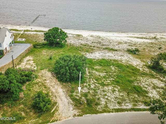 7409 Belle Fontaine Dr, Ocean Springs, MS 39564 (MLS #375276) :: Dunbar Real Estate Inc.
