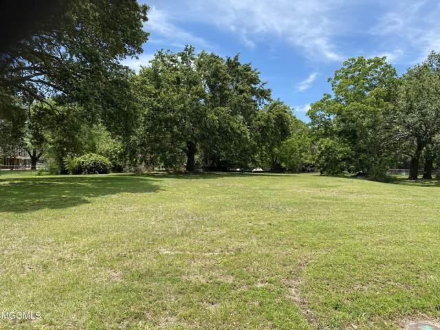 103 Pine Ave, Pass Christian, MS 39571 (MLS #375912) :: The Demoran Group at Keller Williams