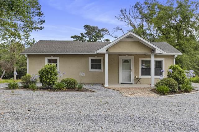 320 Magnolia Ave, Ocean Springs, MS 39564 (MLS #375927) :: Dunbar Real Estate Inc.