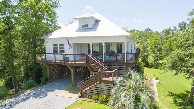 408 Forest Hill Dr, Ocean Springs, MS 39564 (MLS #376243) :: Keller Williams MS Gulf Coast
