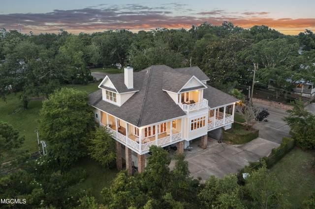 207 Washington Ave, Ocean Springs, MS 39564 (MLS #376562) :: Biloxi Coastal Homes
