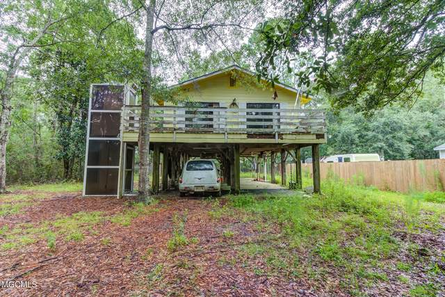 2001 S 7th St, Ocean Springs, MS 39564 (MLS #377545) :: Biloxi Coastal Homes