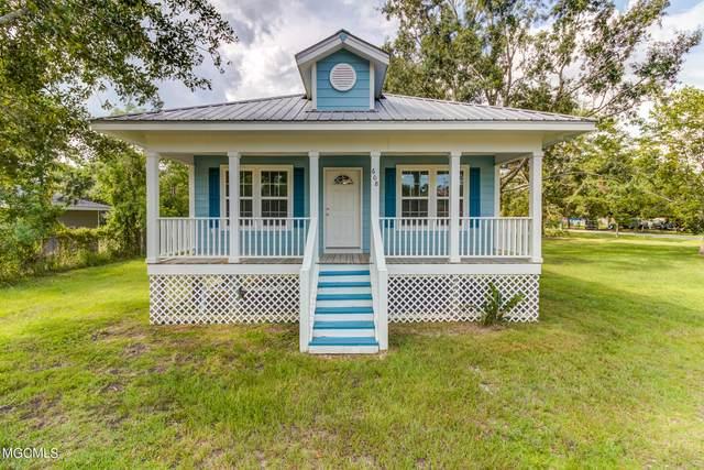 608 Morris St, Waveland, MS 39576 (MLS #378103) :: Biloxi Coastal Homes