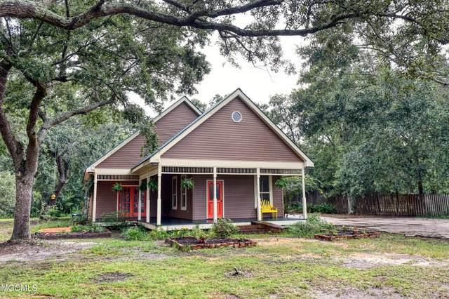 8104 Clamshell Ave, Ocean Springs, MS 39564 (MLS #378160) :: Biloxi Coastal Homes