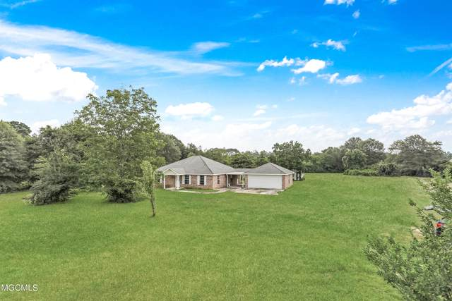 27 Courtney Ln, Carriere, MS 39426 (MLS #378539) :: Berkshire Hathaway HomeServices Shaw Properties