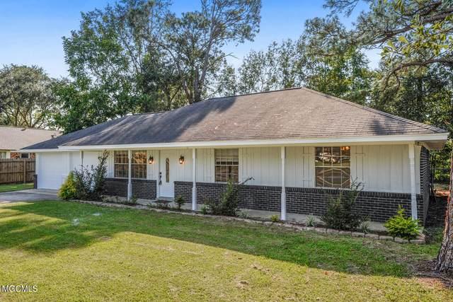 6421 J F Douglas Dr, Ocean Springs, MS 39564 (MLS #380066) :: Berkshire Hathaway HomeServices Shaw Properties