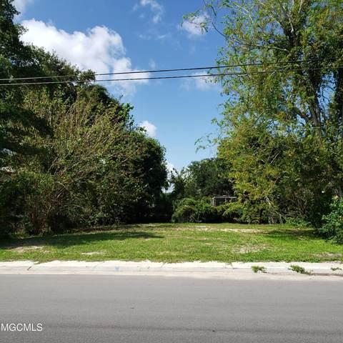 423 Reynoir St, Biloxi, MS 39530 (MLS #380277) :: Biloxi Coastal Homes