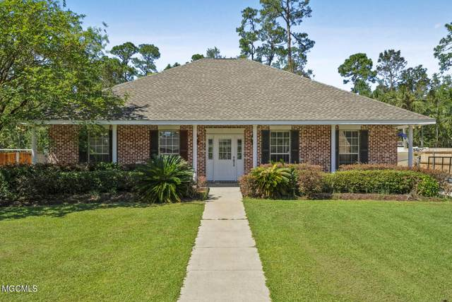 136 Seabrook Dr, Waveland, MS 39576 (MLS #380409) :: Berkshire Hathaway HomeServices Shaw Properties