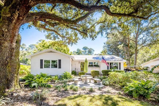 116 Pine Dr, Ocean Springs, MS 39564 (MLS #380447) :: Berkshire Hathaway HomeServices Shaw Properties