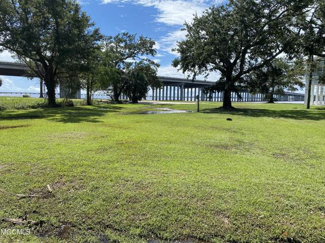 115 Sandy Hook Dr, Pass Christian, MS 39571 (MLS #380484) :: Berkshire Hathaway HomeServices Shaw Properties