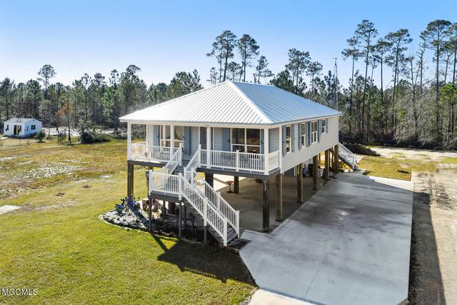 137 Lafitte Dr, Waveland, MS 39576 (MLS #369630) :: The Demoran Group at Keller Williams