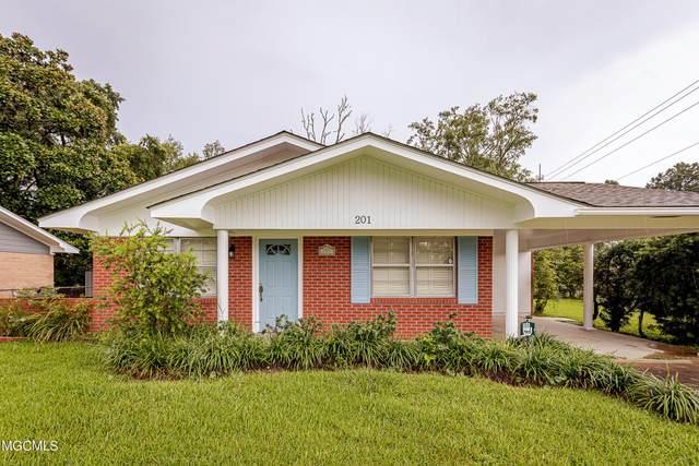 201 Walnut Dr, Ocean Springs, MS 39564 (MLS #377961) :: Dunbar Real Estate Inc.