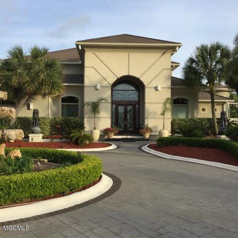 2322 Beau Chene Dr, Biloxi, MS 39532 (MLS #318935) :: Amanda & Associates at Coastal Realty Group