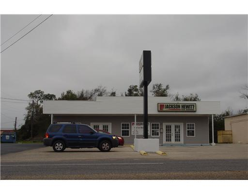1103 Broad Ave - Photo 1