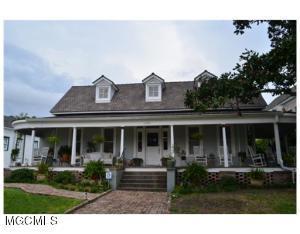 1130 2nd St, Gulfport, MS 39501 (MLS #320217) :: Amanda & Associates at Coastal Realty Group