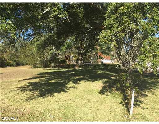 801 14th St, Pascagoula, MS 39567 (MLS #322887) :: Amanda & Associates at Coastal Realty Group