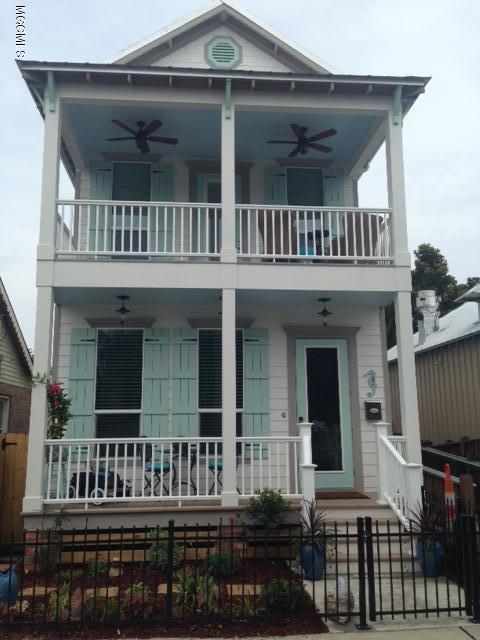 107a Court St, Bay St. Louis, MS 39520 (MLS #323965) :: Ashley Endris, Rockin the MS Gulf Coast