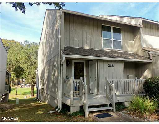 285 Highpoint Dr, Diamondhead, MS 39525 (MLS #325081) :: Amanda & Associates at Coastal Realty Group