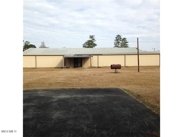124 Williamsburg Rd, Picayune, MS 39466 (MLS #326302) :: Amanda & Associates at Coastal Realty Group