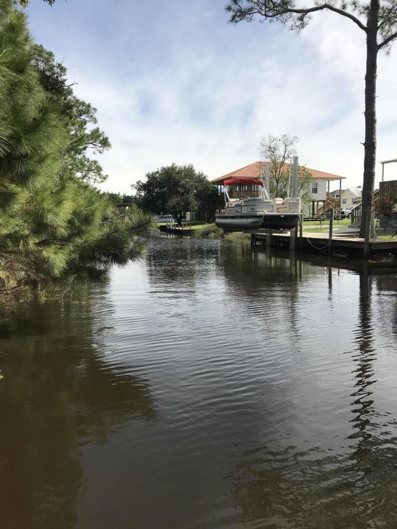 4040 Cardinal St, Bay St. Louis, MS 39520 (MLS #327229) :: Amanda & Associates at Coastal Realty Group