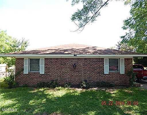 2325 Tradewinds Dr, Gautier, MS 39553 (MLS #327856) :: Amanda & Associates at Coastal Realty Group
