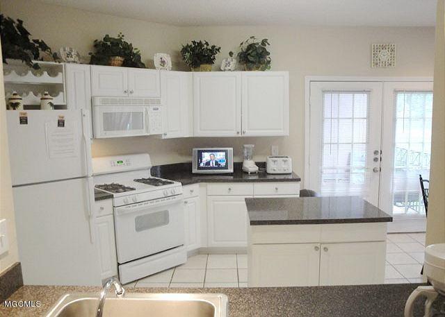 2252 Beach Dr #2302, Gulfport, MS 39507 (MLS #330226) :: Amanda & Associates at Coastal Realty Group