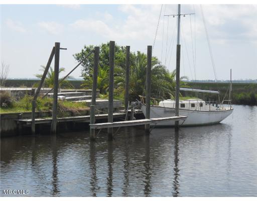 3514 Luakini Pl, Diamondhead, MS 39525 (MLS #330243) :: Amanda & Associates at Coastal Realty Group