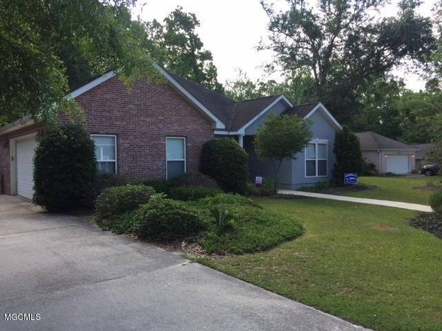 712 Hidden Oaks Dr, Ocean Springs, MS 39564 (MLS #333355) :: Ashley Endris, Rockin the MS Gulf Coast