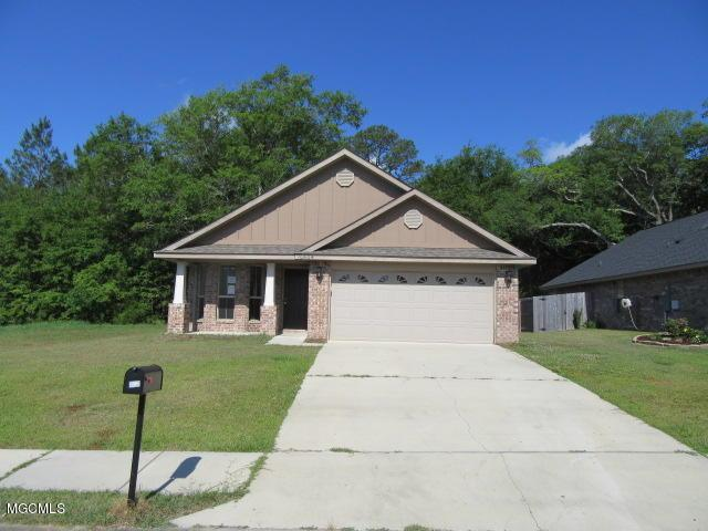 10604 Roundhill Dr, Gulfport, MS 39503 (MLS #333802) :: Ashley Endris, Rockin the MS Gulf Coast