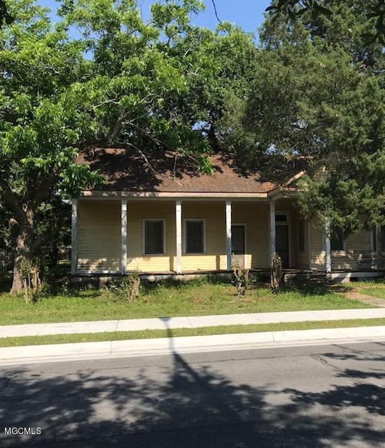 734 Market St, Pascagoula, MS 39567 (MLS #333853) :: Amanda & Associates at Coastal Realty Group