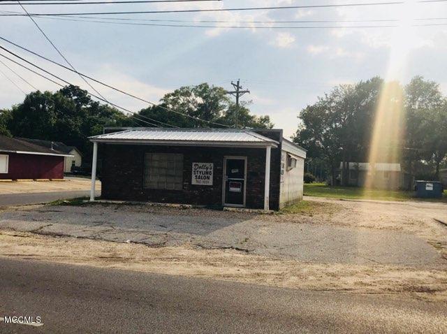 3303 Chicot St, Pascagoula, MS 39581 (MLS #333931) :: Amanda & Associates at Coastal Realty Group