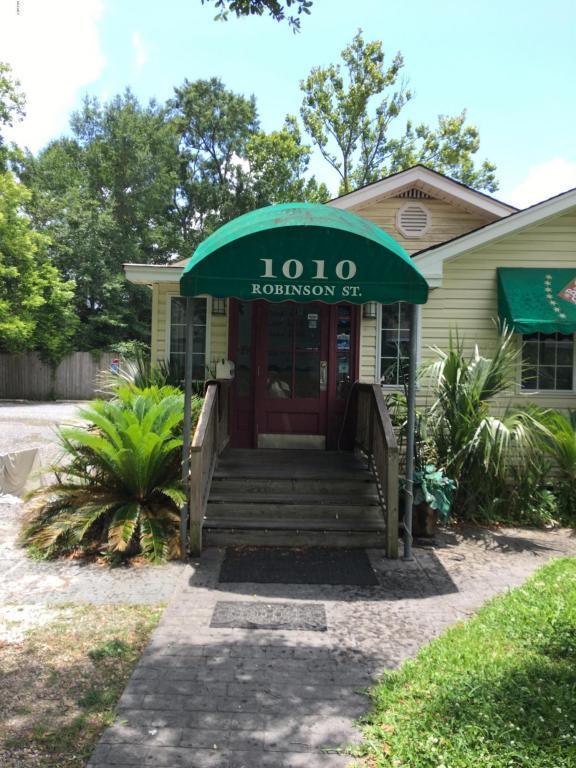 1010 Robinson St, Ocean Springs, MS 39564 (MLS #334403) :: Amanda & Associates at Coastal Realty Group