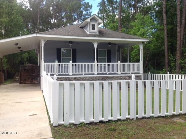 6009 E Desoto St, Bay St. Louis, MS 39520 (MLS #335038) :: Amanda & Associates at Coastal Realty Group