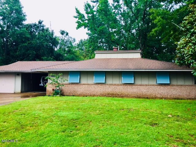 716 Holly Hills Dr, Biloxi, MS 39532 (MLS #336641) :: Amanda & Associates at Coastal Realty Group