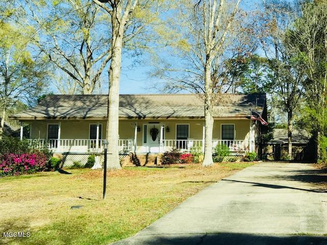 104 Hide A Way Lane, Carriere, MS 39426 (MLS #337123) :: Amanda & Associates at Coastal Realty Group