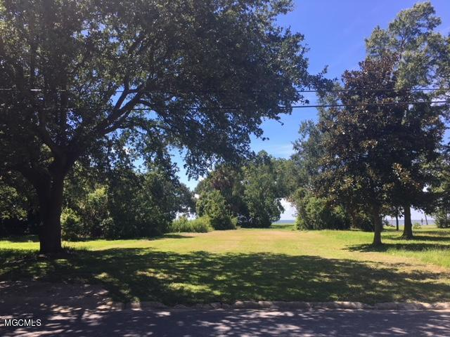 1606 Washington Ave, Pascagoula, MS 39567 (MLS #337251) :: Amanda & Associates at Coastal Realty Group