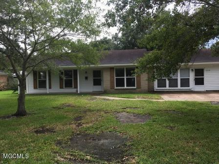 2608 Montclair Ave, Pascagoula, MS 39567 (MLS #338409) :: Amanda & Associates at Coastal Realty Group