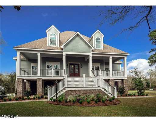111 Spanish Point Rd, Ocean Springs, MS 39564 (MLS #339339) :: Amanda & Associates at Coastal Realty Group