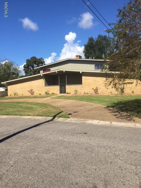 303 Pinewood Cir, Gulfport, MS 39507 (MLS #339441) :: Amanda & Associates at Coastal Realty Group