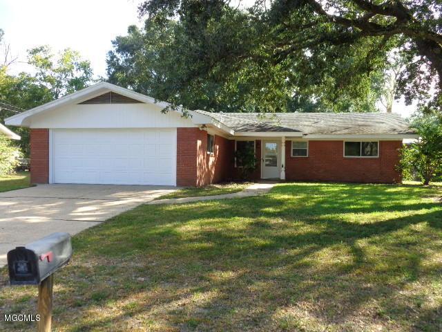 2535 Parkway Rd, Biloxi, MS 39531 (MLS #340703) :: Amanda & Associates at Coastal Realty Group