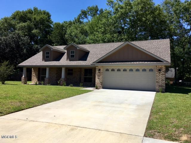 10520 Roundhill Drive, Gulfport, MS 39503 (MLS #340754) :: Amanda & Associates at Coastal Realty Group