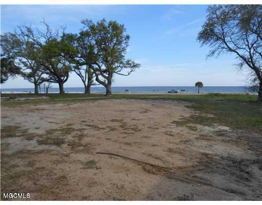 1301 E Beach Blvd, Pass Christian, MS 39571 (MLS #341279) :: Amanda & Associates at Coastal Realty Group