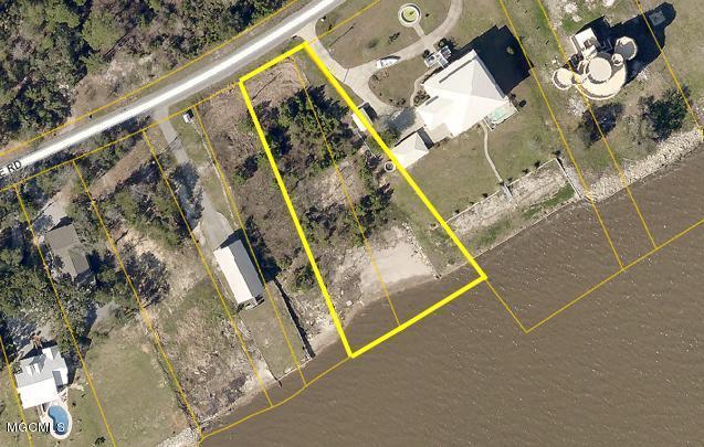 5107 E Belle Fontaine Rd, Ocean Springs, MS 39564 (MLS #341629) :: Amanda & Associates at Coastal Realty Group