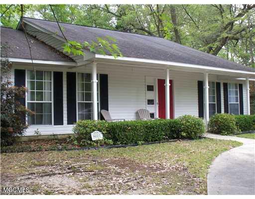 8601 Pine Cone Dr, Gautier, MS 39553 (MLS #341878) :: Amanda & Associates at Coastal Realty Group