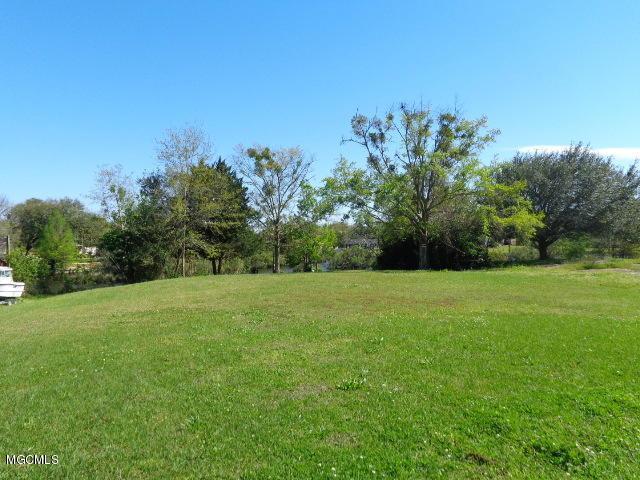 760 Sharon Hills Dr, Biloxi, MS 39532 (MLS #345600) :: Coastal Realty Group