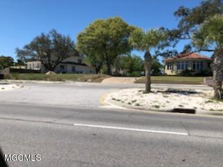 918 E Beach Blvd, Gulfport, MS 39501 (MLS #346690) :: Coastal Realty Group