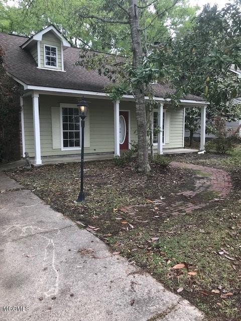 9312 Live Oak Ave, Ocean Springs, MS 39564 (MLS #346726) :: Coastal Realty Group